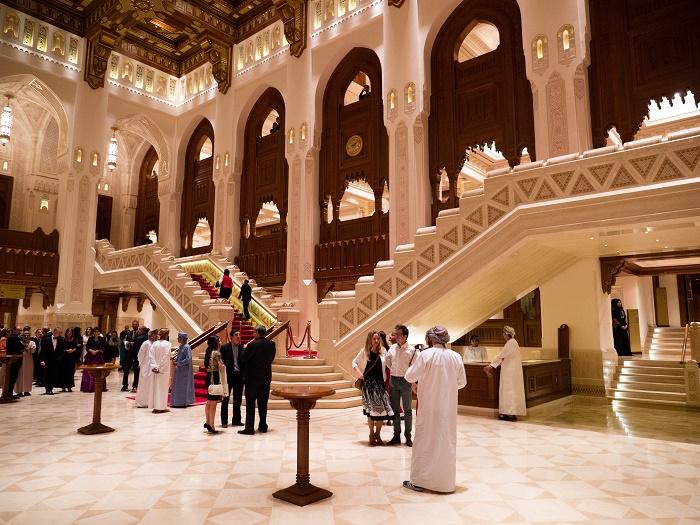 6 Muscat Opera
