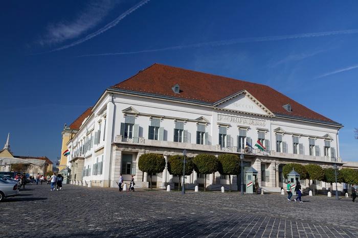 6 Sandor Palace