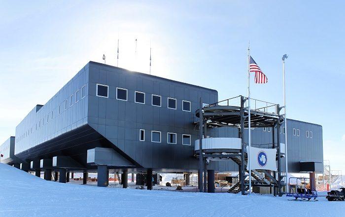 7 Amundsen Scott