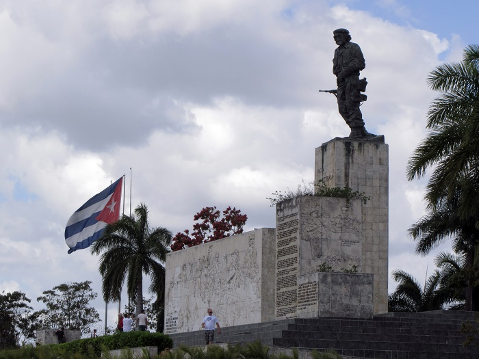 1 Guevara Mausoleum