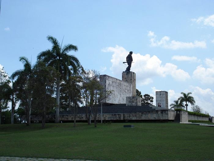 10 Guevara Mausoleum