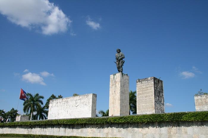 4 Guevara Mausoleum