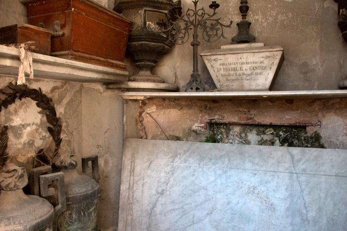 6 Recoleta Cemetery