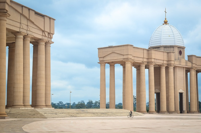 2 Yamoussoukro Basilica