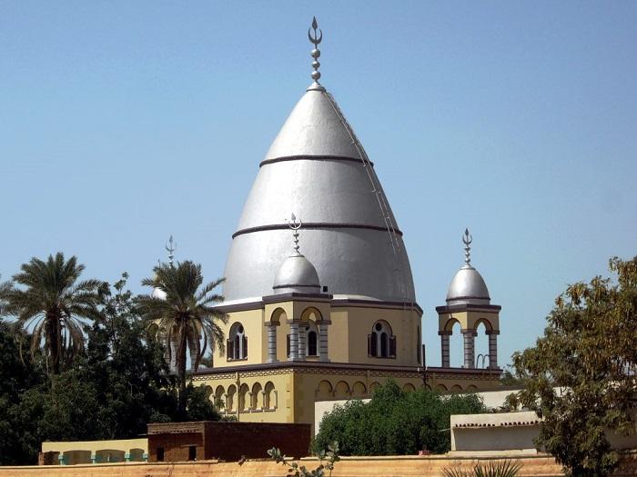 4 Mahdi Tomb