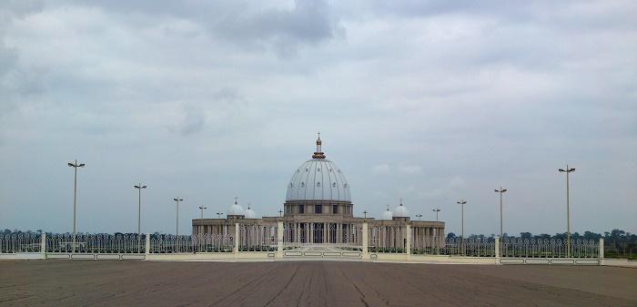 5 Yamoussoukro Basilica
