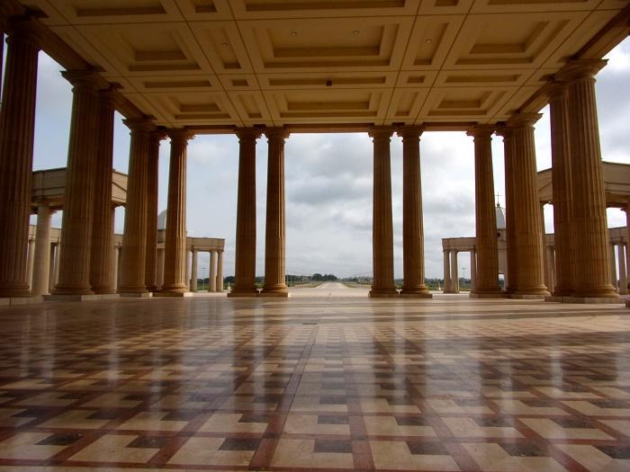 6 Yammaoussoukro Basilica