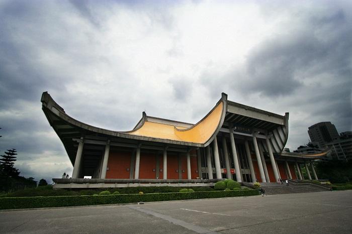 6 Yat Sen Hall