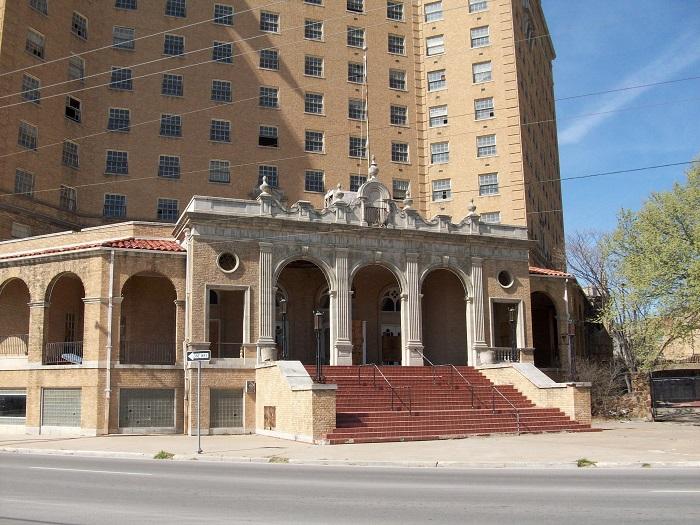 11 Baker Hotel