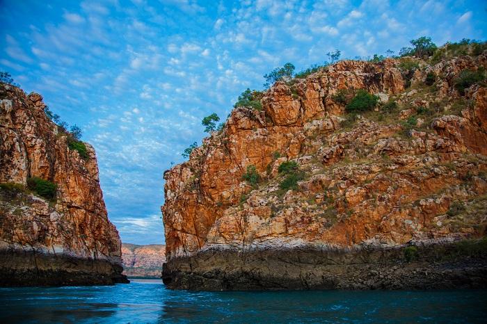 1 Horizontal Australia