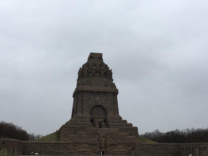 11 Leipzig Monument