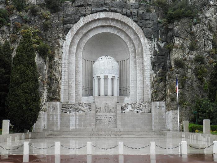 2 Nice Monument