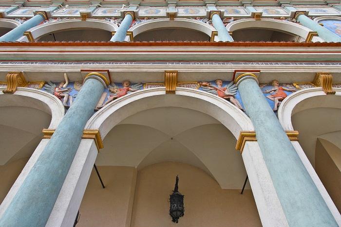 2 Poznan Hall