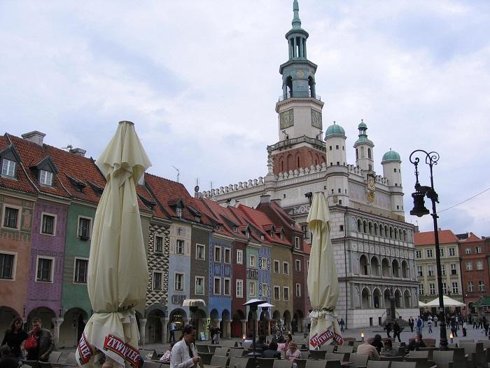 4 Poznan Hall