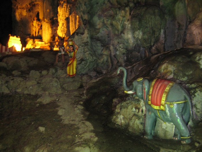 9 Batu Caves