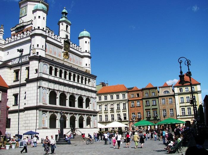 9 Poznan Hall