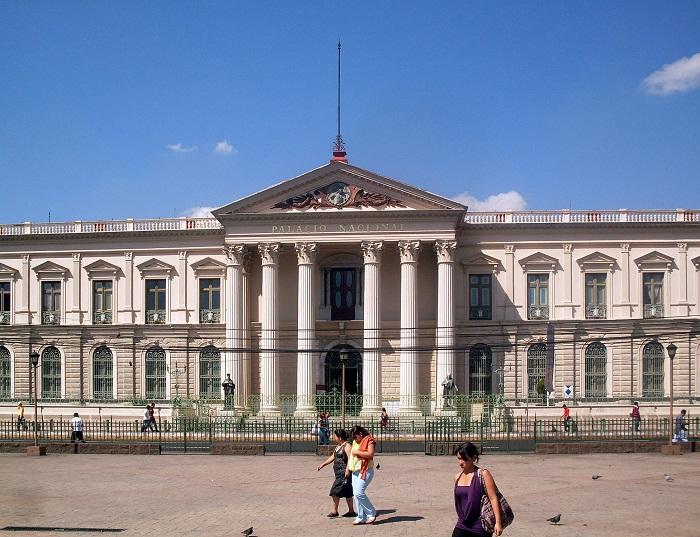 1 Palace Salvador