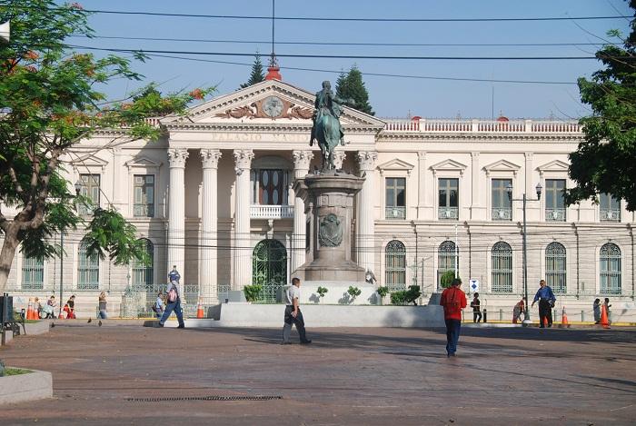 11 Palace Salvador