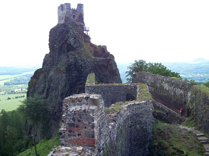2 Trosky Castle