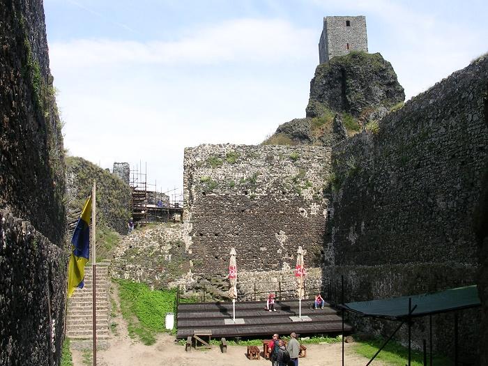 3 Trosky Castle