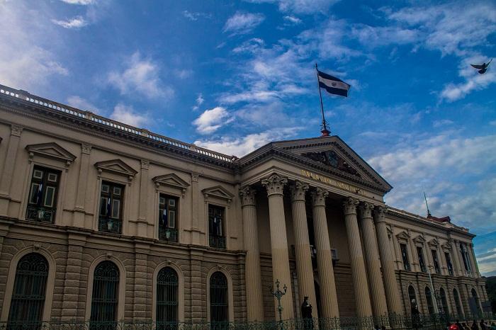 6 Palace Salvador