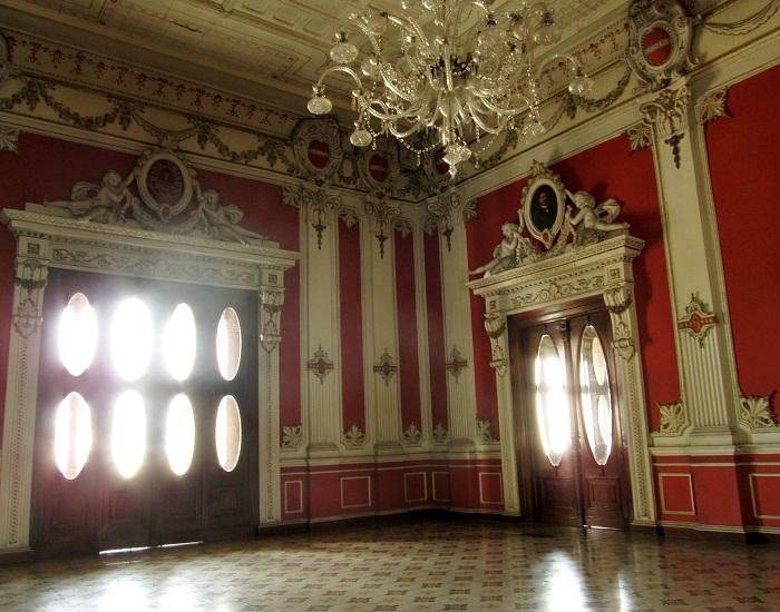9 Palace Salvador