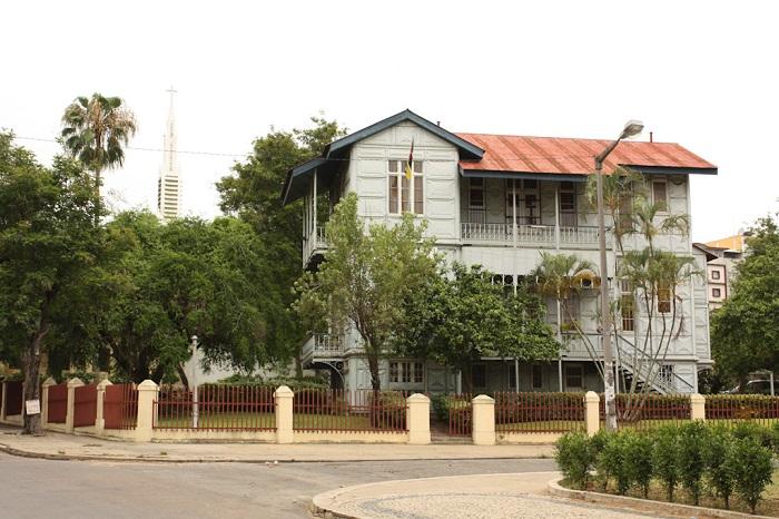 1 Casa Ferro