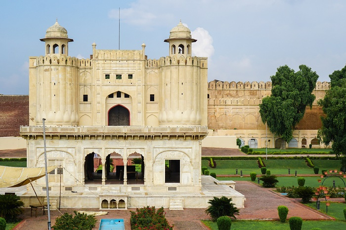 12 Lahore Fort