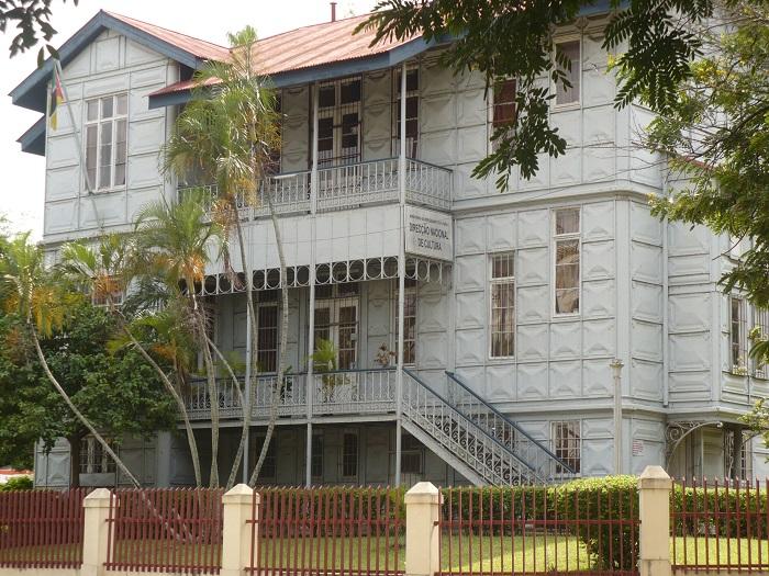 2 Casa Ferro