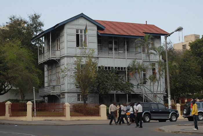 4 Casa Ferro