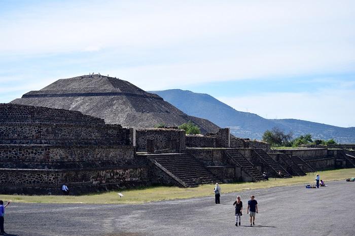 14 Pyramid Sun