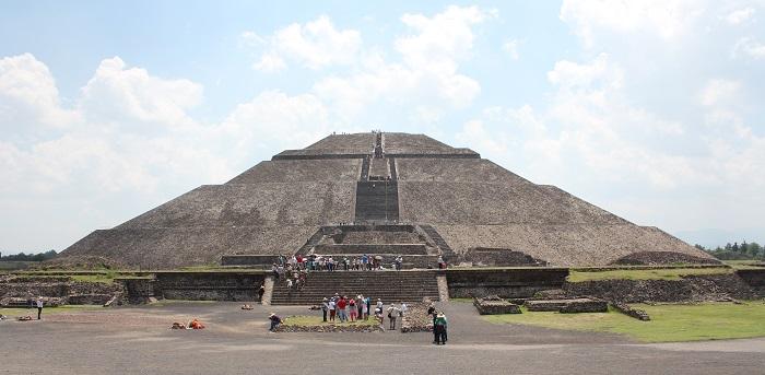 16 Pyramid Sun