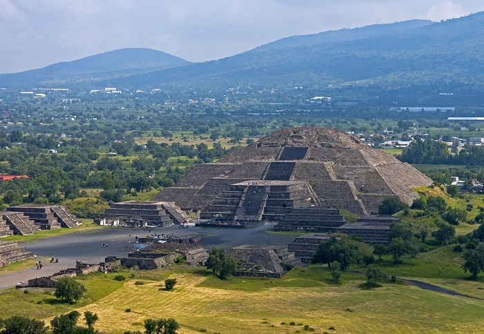 17 Pyramid Sun