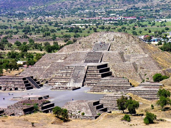 7 Pyramid Sun