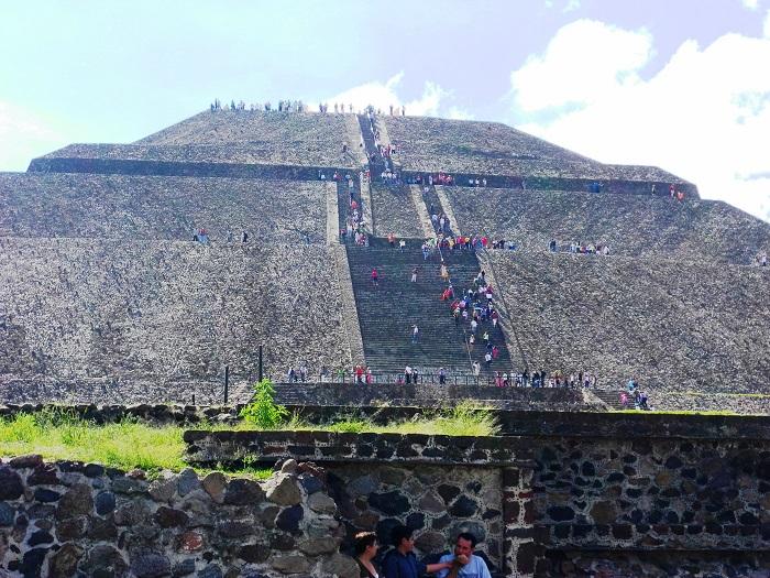 9 Pyramid Sun