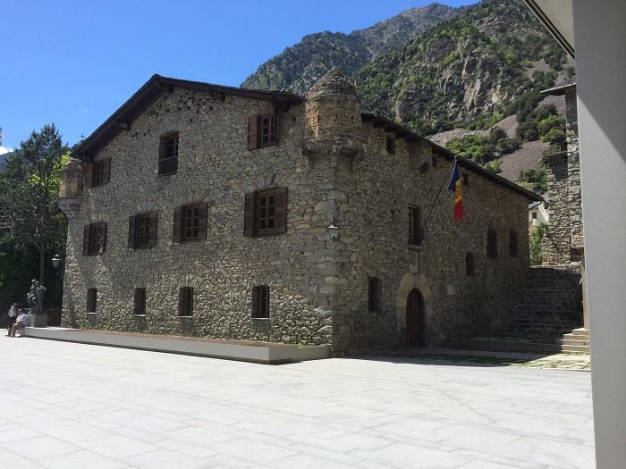 1 Casa Vall