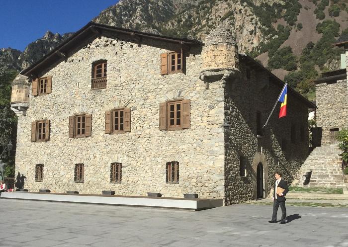 2 Casa Vall