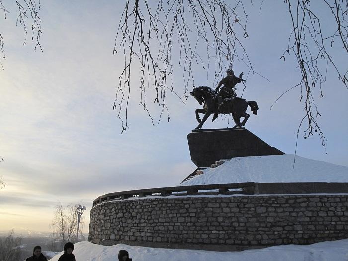 5 Salavat Statue