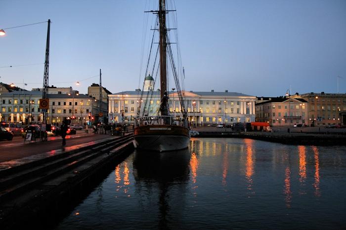 4 Helsinki Hall