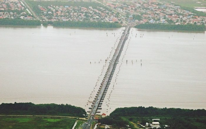 1 Demerara Bridge