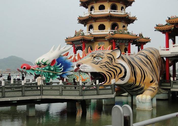 3 Taiwan Pagodas