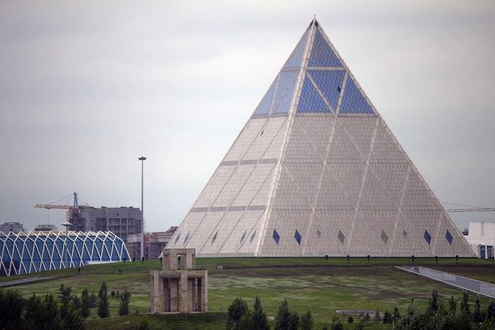 8 Palace Astana