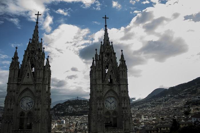 8 Quito Basilica