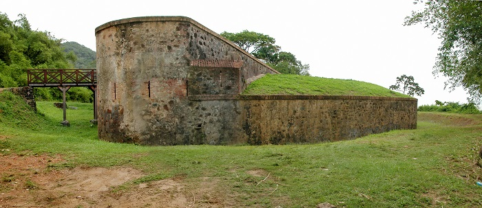 4 Fort Diamant