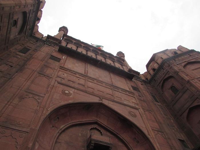 15 Red Delhi