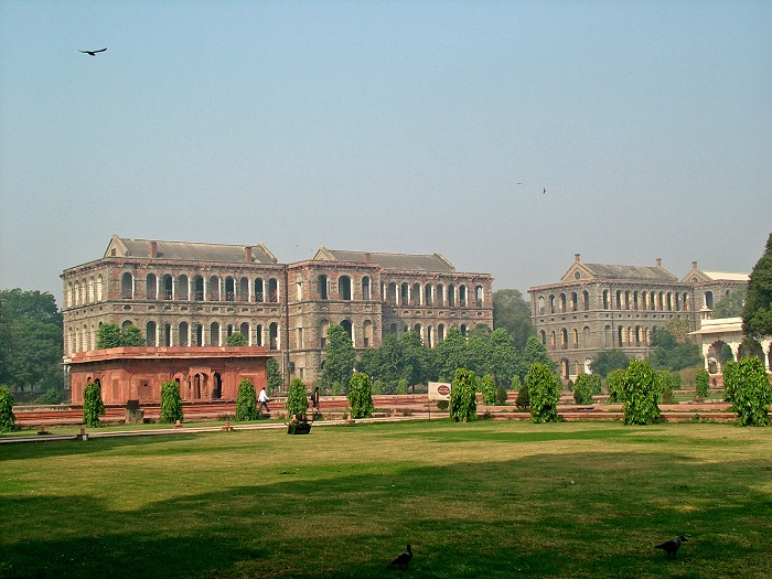 4 Red Delhi