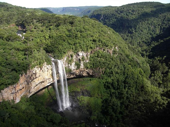 6 Caracol Falls