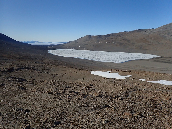 1 Dry Valleys