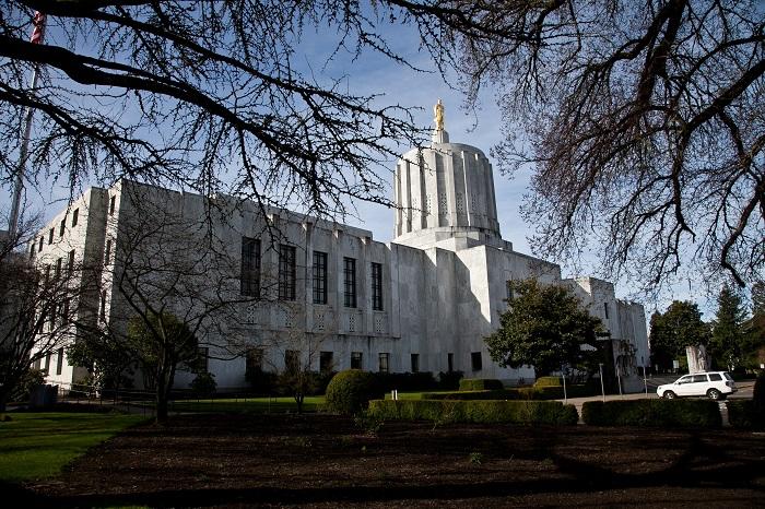 8 Oregon Capitol