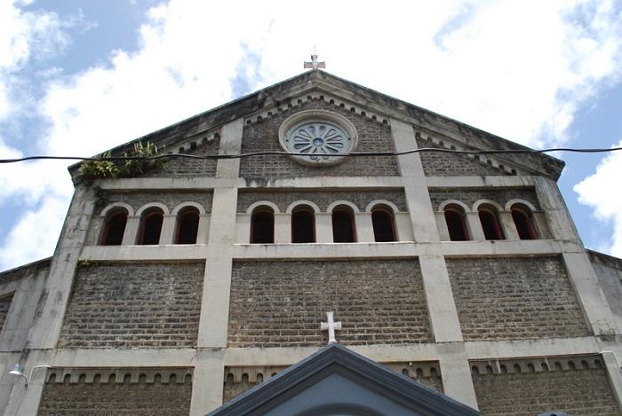 10 Castries Church